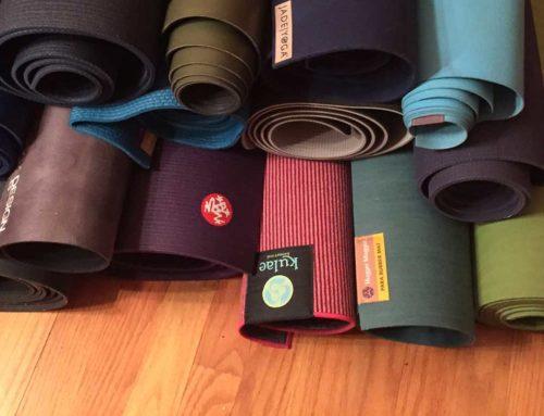 Come scegliere il tuo tappetino di yoga